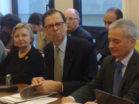 Ancien président du groupe Renault, Louis Schweitzer quitte ses fonctions de président de la HALDE, ce lundi 8 mars 2010.