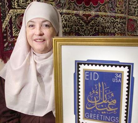 Aminah Assilmi a contribué à la reconnaissance de l'islam aux Etats-Unis. Elle a, entre autres, permis l'émission de timbres « Aïd » et obtenu un changement de la loi de l'Etat du Colorado qui refusait la garde des enfants pour raisons religieuses