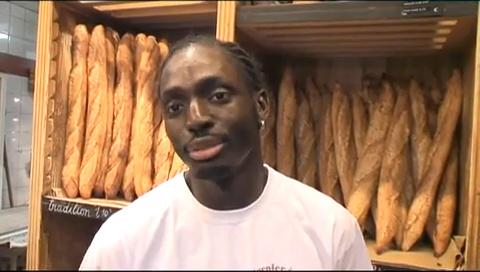 Djibril Bodian vient de remporter le prix de la meilleure baguette de Paris décerné par la chambre professionnelle des artisans boulangers. Son client pendant un an : l'Elysée.