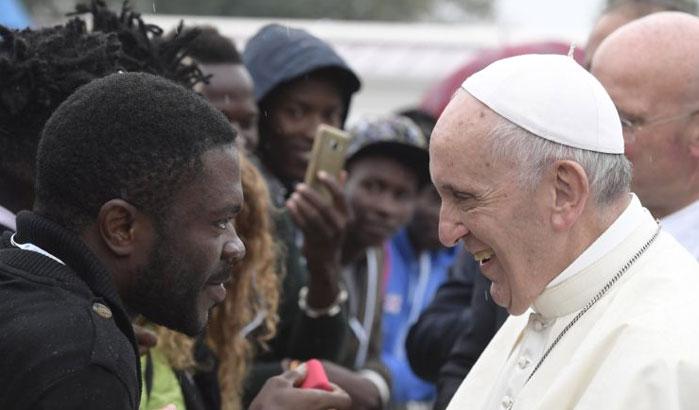 Le pape François à la rencontre de migrants à Bologne (Italie), le 1er octobre 2017 (photo © L'Osservatore Romano)