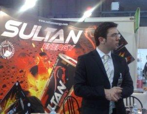 Antoine Roch, responsable UK de Sultan, la nouvelle boisson énergisante, au Salon du halal 2010.