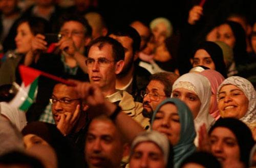 « L'enrichissement de l'identité de notre société ne passe pas par l'effacement de la visibilité des citoyens musulmans », affirme l'UOIF, organisateur de la 27e Rencontre annuelle des musulmans de France.