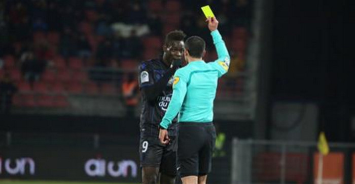 Le CRAN porte plainte contre l'arbitre (off.) — Affaire Balotelli