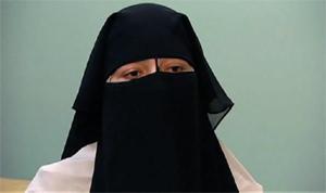 Québec : Naïma Atef Amed, 29 ans, d'origine égyptienne, suivait des cours de français ; elle en a été exclue en mars dernier pour port du niqab.