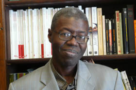 Normalien, agrégé de philosophie, Souleymane Bachir Diagne est professeur de philosophie et d'études francophones à Columbia University (New York).