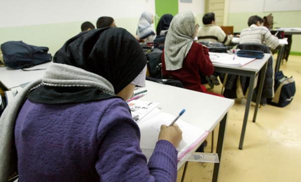 Belgique : l'enseignement officiel flamand veut l'interdiction du voile à l'école