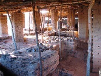 Les travaux de restauration de la mosquée Kankou Moussa, qui date de 1324, ont commencé à Gao (Mali). Des fouilles ont mis au jour d'importants objets et des murs et des salles ensevelis depuis longtemps.
