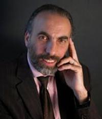 Mustapha Cherif est philosophe, professeur des universités et auteur d'ouvrages sur le vivre-ensemble et le dialogue des cultures.