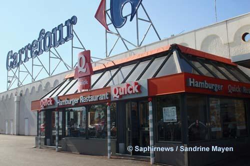 Quick Le Merlan (Marseille) fait partie des huit restaurants franchisés à être devenus halal depuis octobre 2009. L'expérimentation n'en est plus une. L'aventure halal continue.