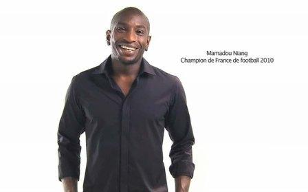 Le champion de France 2010 Mamadou Niang a été choisi pour promouvoir Western Union, qui a baissé ses tarifs depuis le 1er juin 2010.