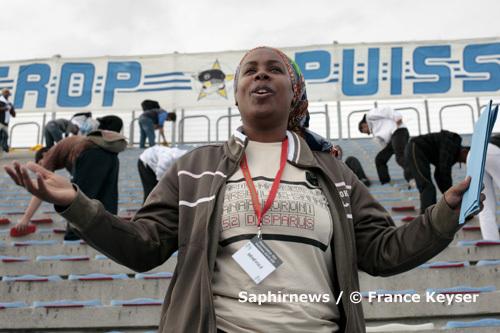 Nadjati Youssoufa, présidente de l'Association des victimes du vol de l'A310, déplore : « Nous ne saurons jamais vraiment la vérité sur ce crash. » Ici, lors l'hommage aux victimes, au stade Vélodrome de Marseille, le 19 septembre 2009.