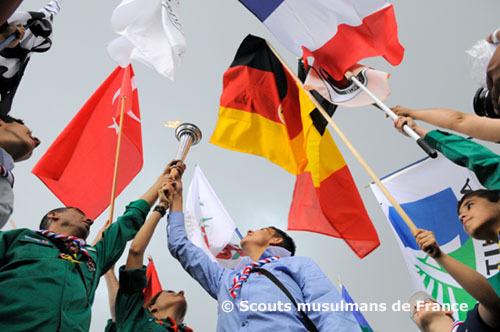 Après que la flamme de l'espoir fut accueillie dans les pays méditerranéens en 2009, c'est au tour des scouts musulmans de France d'inviter leurs homologues dans un grand camp international, à l'occasion de leurs 20 ans.
