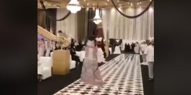 Un défilé sans mannequin en Arabie Saoudite, un « ghost fashion show » moqué sur le Web (vidéo)
