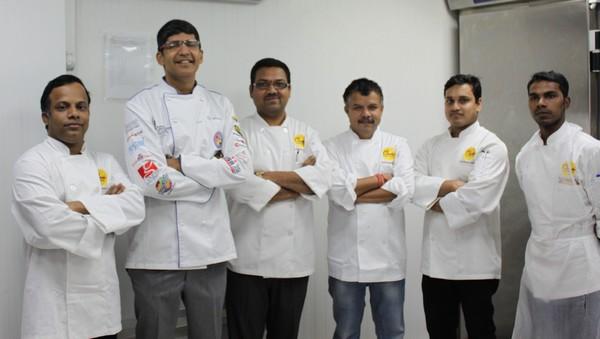 A Dubaï, un cuisinier hindou engagé pour nourrir des nécessiteux pendant Ramadan