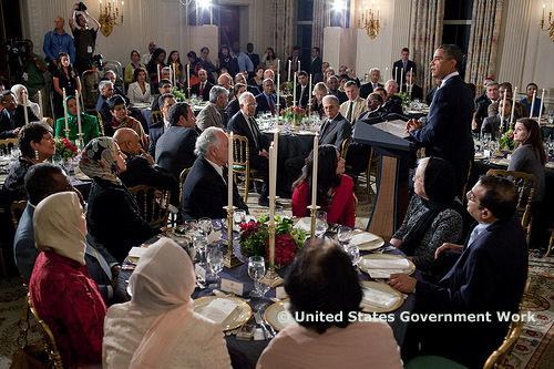 Barack Obama reçoit les personnalités musulmanes, lors d'un iftar organisé à la Maison Blanche, le 13 août 2010.
