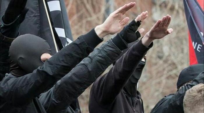 Extrême droite : un projet d'attentat contre des mosquées et des femmes voilées déjoué en France