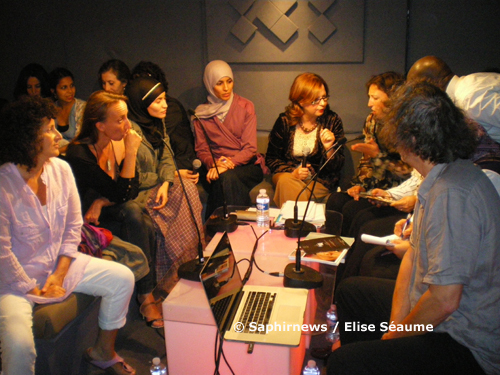 « Féminisme et islam », à l'Institut des cultures d'islam, 10 septembre, de g. à dr. : Nacira Guénif-Souilamas, Bérangère Leblanc, Myriam et Khadija Tighanimime, Nadia Bey (modératrice), Parvin Ali, Mehrézia Labidi-Maïza,Thierry Paquot.