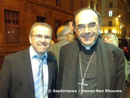 Azzedine Gaci, président du CRCM Rhônes-Alpes (à g.), au côté du Cardinal Philippe Barbarin, archevêque de Lyon, réunis pour la projection du film « Des hommes et des dieux », à Paris.