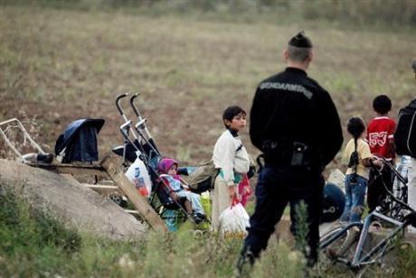Après les musulmans, les Roms ? La nouvelle distraction française ne plaît pas à l'UE