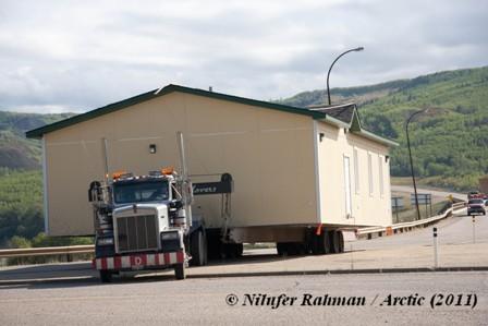 La mosquée de l'Arctique a pris la route le 1er septembre. 22 jours plus tard, la voici à Inuvik, territoire du Grand Nord canadien, berceau des Inuits.