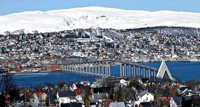 La mosquée de Tromsoe, au nord de la Norvège, devait voir le jour grâce à des capitaux saoudiens. Le gouvernement en a décidé autrement, invoquant les restrictions de la liberté de culte en Arabie Saoudite.