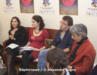 De g. à dr. : Marie-Dominique Aguillon, de la commission Solidarités internationales de la CIMADE ; Marie Mortier, coordinatrice du festival Migrant'Scène ; Bernard Salamand, président du CRID, pour la Semaine de la solidarité internationale.