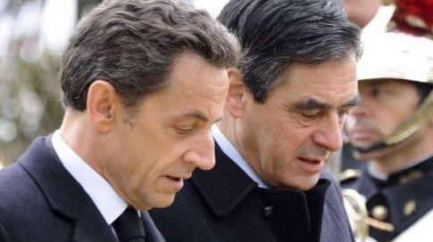 Le remaniement ministériel n'a pas fait que des heureux, mais Nicolas Sarkozy a plaidé pour la continuité en maintenant, dimanche 7 novembre, François Fillon au poste de Premier ministre.
