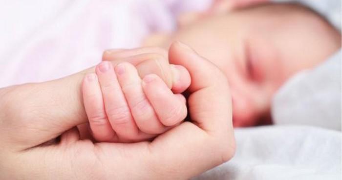 Comment la France détient le record des naissances hors mariage en Europe