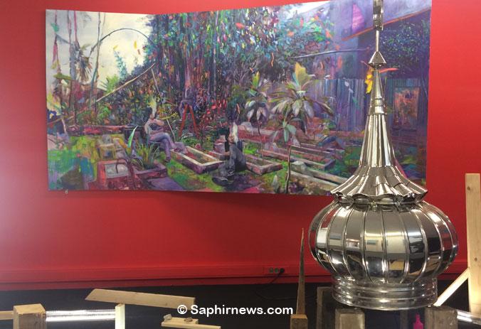 L'exposition « JAVA Art Energy », à l'Institut des cultures d'islam, est traversée par quatre grands thèmes : la poussée de l'islam radical, l'urbanisation sauvage, le passé colonial et le lien entre Nature et spiritualité. Ici, l'œuvre « SEKE/Waterspring » (2018), de Muhammad Zico Albaiquni.