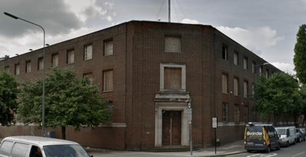 Londres : trois personnes inculpées pour avoir percuté des piétons devant une mosquée