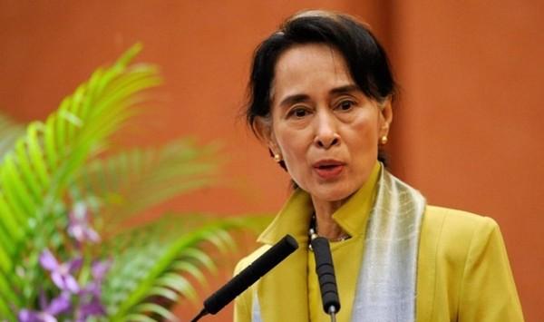 Rohingyas : Amnesty International retire à Aung San Suu Kyi son prix le plus prestigieux (vidéo)