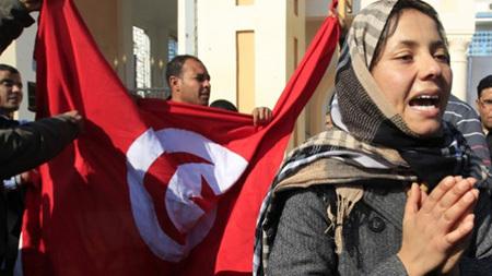 Moyen-Orient : Des femmes défilent aux côtés des hommes pour réclamer le changement