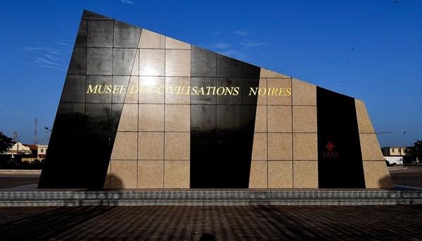Sénégal: le musée des civilisations noires inauguré à Dakar