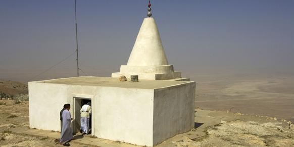 Un sanctuaire yazidi au sommet de la montagne de Sinjar, à 404 km au nord-ouest de Bagdad, en Irak.