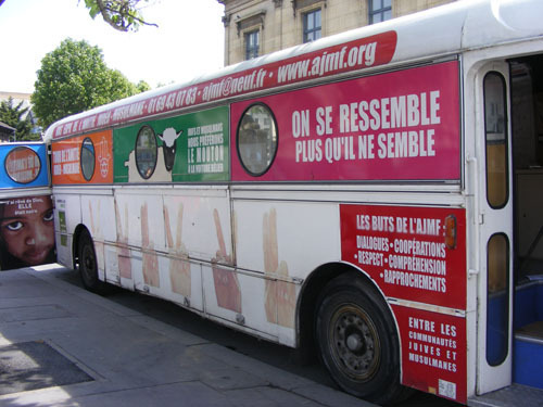 Le bus de l'AJMF sillonne la Fance jusqu'au 30 juin.