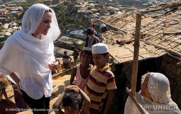 Angelina Jolie appelle la Birmanie à cesser la répression contre les Rohingyas