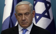 Au dîner du CRIF, Macron en marche pour intégrer l'antisionisme dans la définition de l'antisémitisme