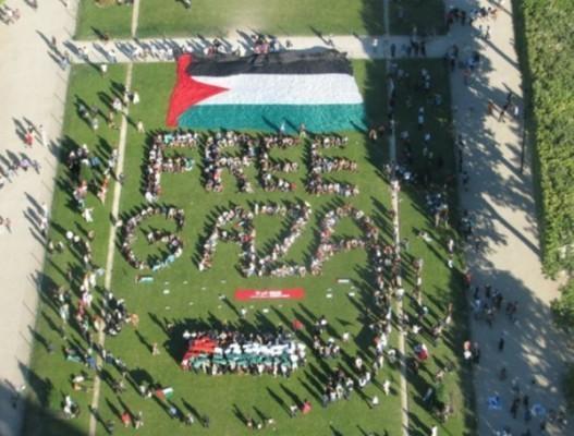 Un rassemblement à Paris s'est tenu, dimanche 3 juillet, en soutien aux bateaux pour Gaza. « Free Gaza » a été constitué pour l'occasion.