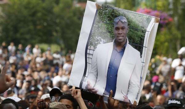 Mort d'Adama Traoré : un nouveau rapport médical fourni par la famille accuse les gendarmes