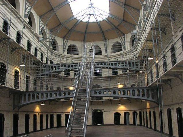 Les prisons françaises en alerte