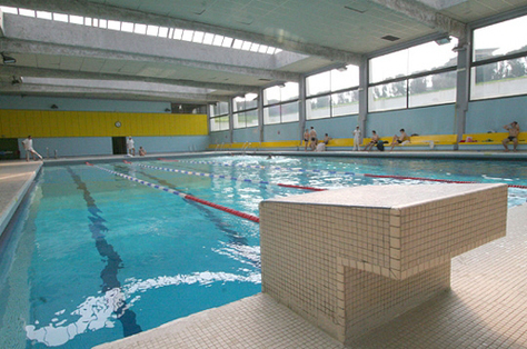 Porter un burkini dans une piscine municipale, est-ce possible ?