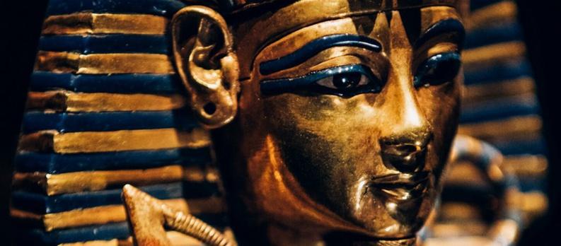 A Paris, plongée fascinante dans le trésor du Pharaon Toutankhamon