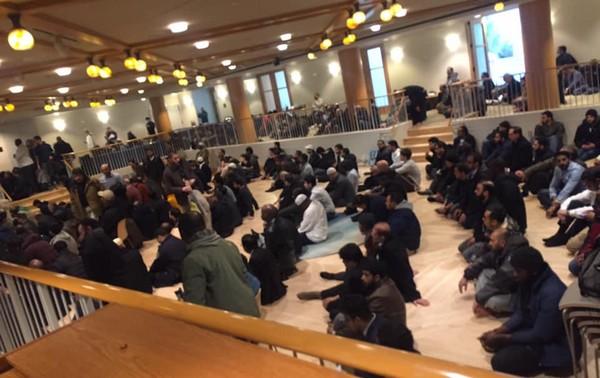 Plus de 500 musulmans ont été accueillis dans la Synagogue Centrale le 22 mars pour la prière du vendredi, comme en atteste cette photo prise par la rabbine et postée sur les réseaux sociaux.