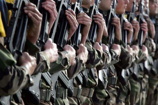 L'« allégeance aux armes » remet en cause la binationalité
