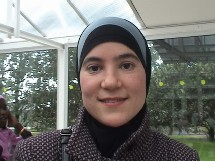 Louisa, technicienne biologiste, 28 ans, région parisienne.