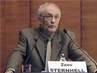 Zeev Sternhell, enseignant à l'université hébraïque de Jérusalem et membre du mouvement Shalom Archav (la paix maintenant)