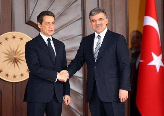 Le président turc Abdullah Gül et son homologue français, le 25 février 2011 à Ankara. Le génocide arménien met aujourd'hui à mal les relations franco-turques.