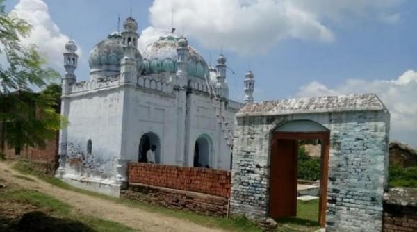 Des hindous du village de Maadhi, en Inde, ont pris la responsabilité de garder la mosquée (ici à l'image) en l'absence des musulmans. © IANS