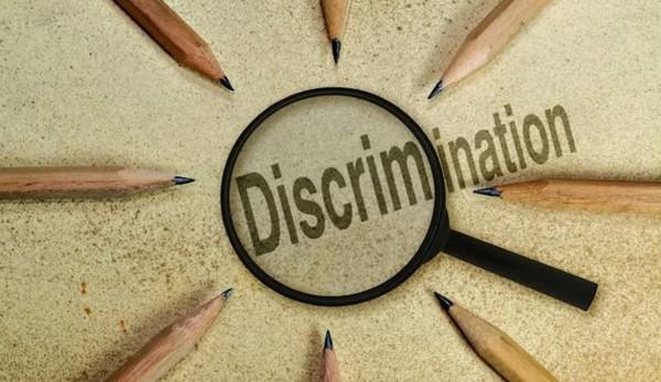 Dans le monde du sport, de la musique et de l'humour, des discriminations toujours bien présentes