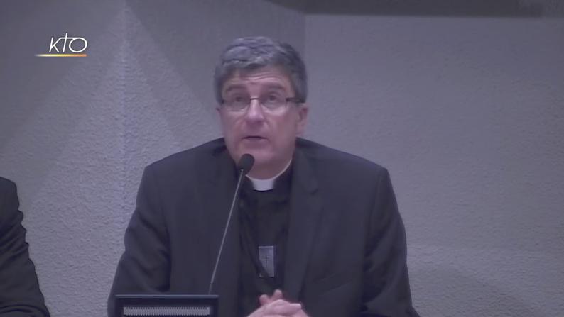 La Conférence des évêques de France déplore les « crispations » autour du voile